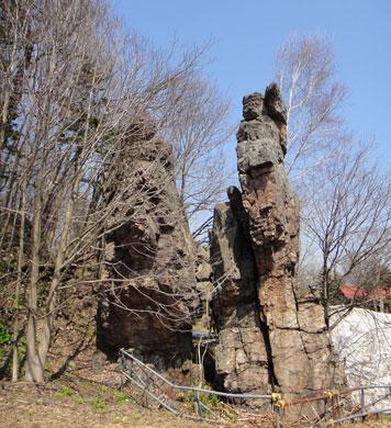 人喰い刀岩写真